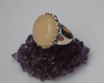 Natural Yellow Jade Ring, Yellow Jade with Flower Decorative Trim Ring, Jade Jewelry, Jade Ring, Yellow Jade Ring, Fashion Jade Ring