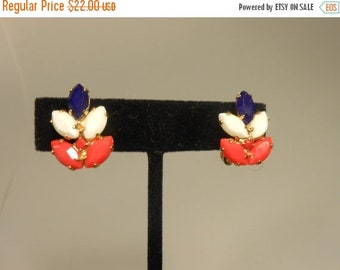 Anniversary Sale 35% Off Up in the Grandstand - Vintage 1950's Mini Patriotic Red White Blue Glass Clip On Earrings