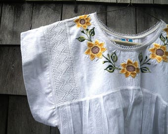 Embroidered White Peasant Blouse Cotton Gauze Mexican Style Sunflowers