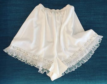 Vintage 50s White Tap Pants Lingerie small
