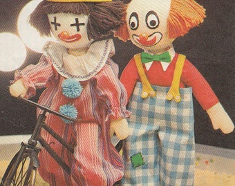 Vintage Pattern CLOWNS Dolls & Clothes Circus Toys Retro 1977