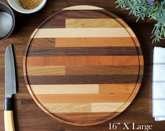 XL Craftsman Mixed 6-Wood Round Cutting Board - Classic Midcentury Modern / Butcher Block Design Style