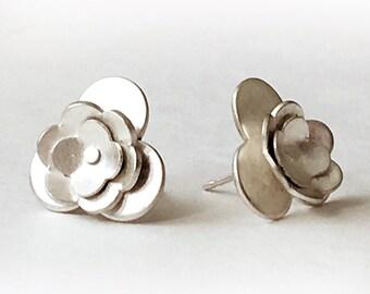 Large Silver Flower Post Earrings (EP-LSF1)