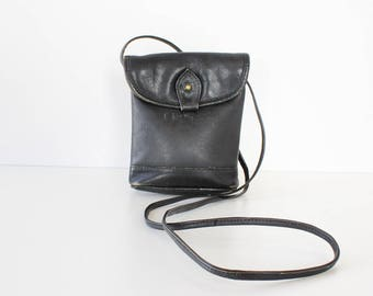 Vintage Crossbody Bag • Small Leather Crossbody Bag • 90s Bag • Small Leather Bag • Black Leather Crossbody • Black Leather Purse  | B938