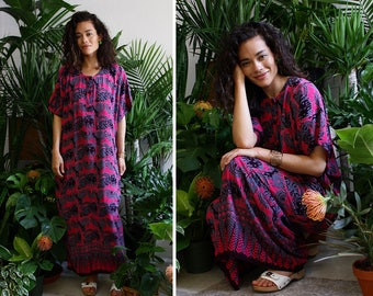 Batik Caftan • 90s Maxi Dress • Indonesia Caftan • Batik Maxi Dress • Beach Caftan Cover Up • Summer Dress Vintage | D1383