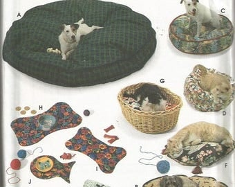 Simplicity 9065 Crafts Pattern Dog/Cat Beds and Place Mats  CLEARANCE ITEM