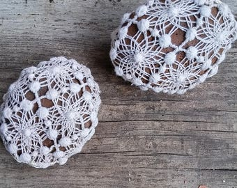 Rustic Wedding, Shabby chic Wedding, Natural Wedding Favors Inspirational, Wedding Decor Crochet Lace Stones.r, Romantic Decor, Antique lace
