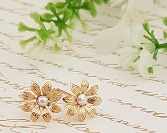 SALE - Gold Pearls Studs ,Bridal Accessories,Wedding Jewelry ,Gold flower Post Earrings ,Gold Filigree Flower Stud Earrings