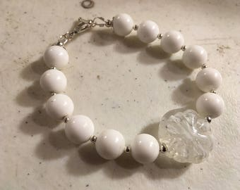 White Bracelet - Silver Jewelry - Beaded Jewellery - Fashion - Trendy - Focal Bead
