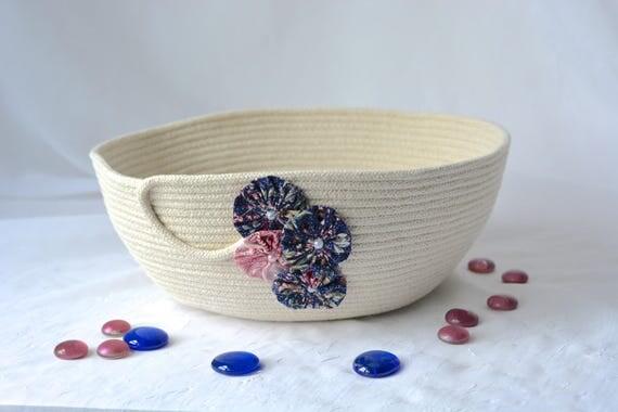 Charming Handmade Bowl, Natural Fiber Basket, Modern Clothesline Basket, Minimalist Bowl,  hand coiled natural rope basket