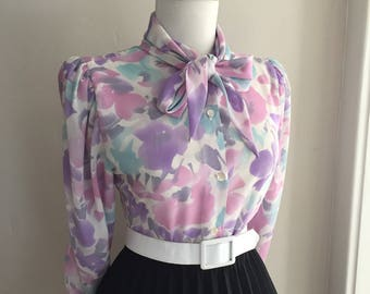 Vintage Floral Blouse / Tie neck Blouse with Bow/ Pin Up Secretary Top/ 1950s 1960s Long Sleeve Button Down Shirt/ Mad Men Blouse Top
