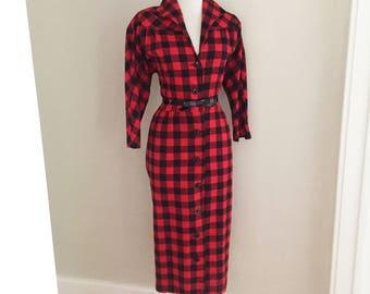 VINTAGE 1960s Plaid Wiggle Dress / Red & Black Retro Checkered Dress /  60s Mad Men Dress / Audrey Hepburn / / Jackie O / Rockabilly Dress
