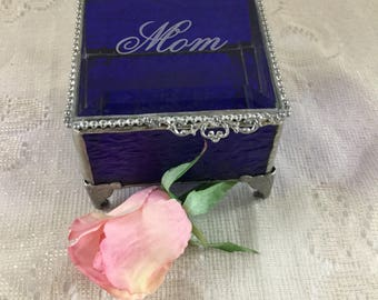 """3 x 3"""", Glass Box, Jewelry Box, Mother of the Bride Gift, Wedding, Stained Glass Box With Mother Engraved On The Lid, Mother of the Groom"""