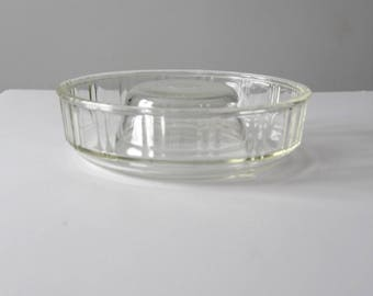 Queen Anne Glasbake circa 1942, McKee glass ring mold