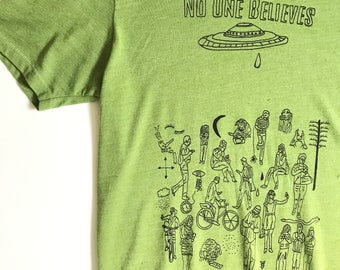 No One BELIEVES counter culture get off the INTERNET(s) t-shirt hand printed and dyed // size S-XL //