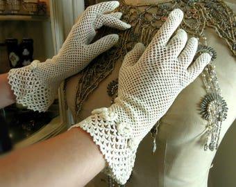 Vintage / Antique Victorian / Edwardian Ivory Gloves / Ivory Crocheted Gloves / Wedding Gloves / Mid Length Gloves
