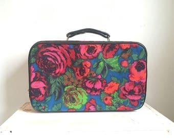 Vintage Bantam Suitcase // Retro Suitcase // Mod Luggage // Flower Power Floral Suitcase // Mini Overnight Bag // Roses