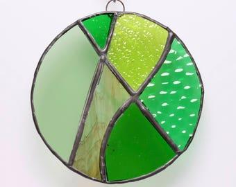 Green circle suncatcher - stained glass