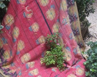 Red/cream vintage kantha, Kantha throw, Sari blanket, Indian throw, Vintage kantha quilt, Yellow Sari throw, Kantha blanket,Boho throw