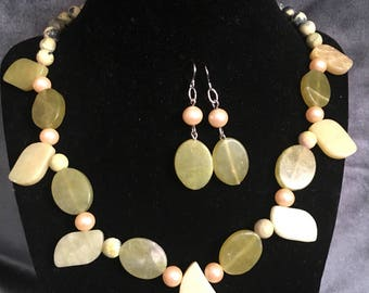 Natural stones necklace and earrings