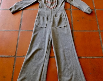 Vintage jumpsuit 1970's flared leg polyster knit stripes pockets long sleeve: XS, small
