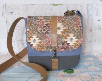 Mesa-- Crossbody messenger bag - Southwestern purse - Canvas bag - Vegan purse - Travel purse - Medium - Tribal - Canvas - Ready to ship