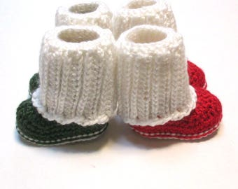Crochet Christmas booties.  Knit look sweater booties.  Winter baby booties.  Crochet baby boots for Christmas.  Unisex baby boots.