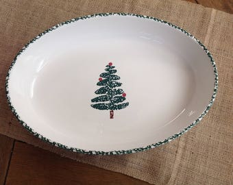 """Furio Sponge Tree Oval Baking Dish Made in Italy 14"""" Long Famous Sponge border and simple Tree in Center"""