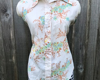Vintage 1970s Novelty Print Sleeveless Top