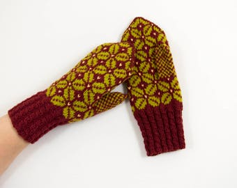 Hand Knitted Mittens, Latvian Mittens, Nordic Mittens - 100% Wool, Red brown and Green, Size Small / Medium