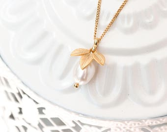Gold bridal necklace, Pearls jewelry gift, Leaves necklace, Gold plated gift for wife, Pearls wedding necklace, Gold wedding jewelry 837
