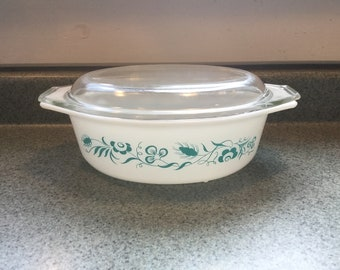 Vintage Pyrex Covered Casserole Dish, 1 1/2 quart casserole dish, Meadow Pattern,Turquoise flowers