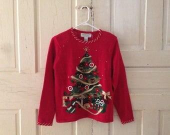 Fesrive Christmas Sweater size SMALL