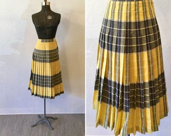 Gemini skirt   Vintage yellow wool pleated skirt   1940s reversible Pendleton skirt