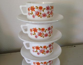 Arcopal cups and saucers  4 x retro vintage cups and saucers Arcopal France