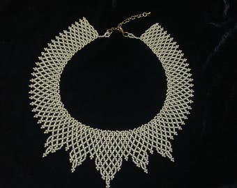 "Gold front detailed ""tiara prong"" collar necklace"