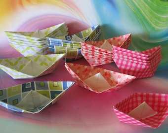 24 paper boats photo prop art supply party favor lot of 24 boats cake cupcake topper