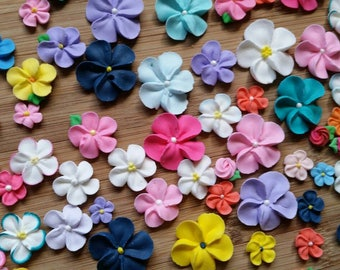 Mixed sizes flower assortment: Ready to ship --  Edible cake decorations cupcake toppers (24 pieces)