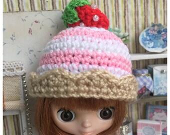 "Doll Hat for Lati White & Petite Blythe : ""Cupcake Hat"" (Crochet Hat)"