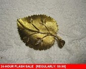 Goldtone leaf pin brooch, vintage pin brooch