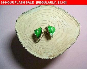 Giovanni enamel leaf clip earrings, vintage, retro as is