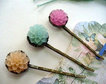 Pretty Pastel Chrysanthemum Hairpins, Antique Brass, Crown Hair Clips, Hair Accessories, Blue, Pink and Cream Flowers, Bobby Pins, Mums