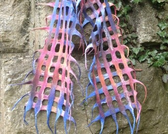 Mesh net scarf, hand dyed, hand feltet