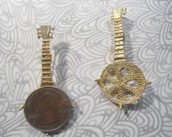 2 Vintage Goldplated Quarter Holder Banjo Pins