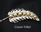 Crown Trifari  Leaf Brooch - White Pearl - rhinestone - silver flower - Mid Century pin