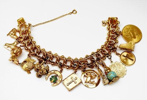 Monet Double chain Charm bracelet - 12 gold charms - Gold tone - Cha cha vintage