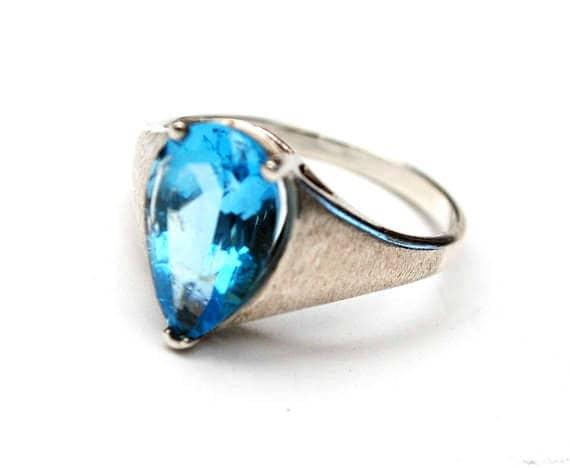 Blue topaz sterling Ring - Blue gemstone - Pear Shape - size 9 1/2 - Brushed silver - Gift for her
