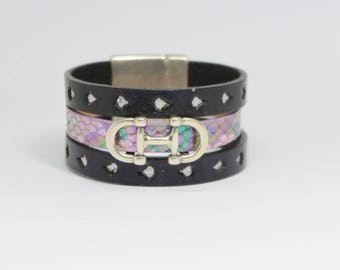 Leather and silver metal Cuff Bracelet.