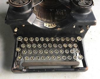 Royal 10 Typewriter c1917