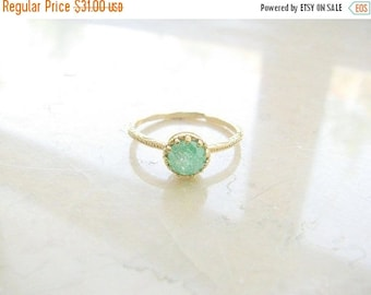 SALE - Gold druzy ring - gold ring, gold ring with green crystal, green ring, druzy crystal ring, vintage ring